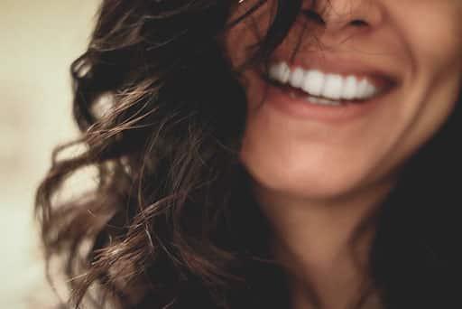 Dr Colson - Temoignage illustration - visage femme souriante